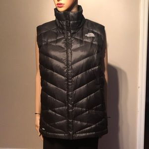 The North Face 550 dawn vest